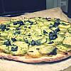 Pizza med løgkompot