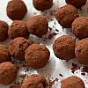 Lækre konfekt-kugler med dadler og kakao