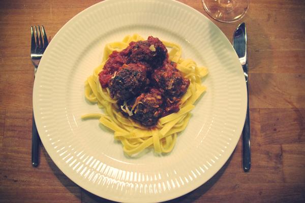 spaghetti og kødboller