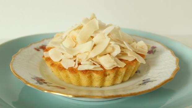 Kokoskage med æble og citron
