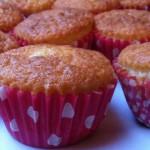 muffins med rabarber og marcipan