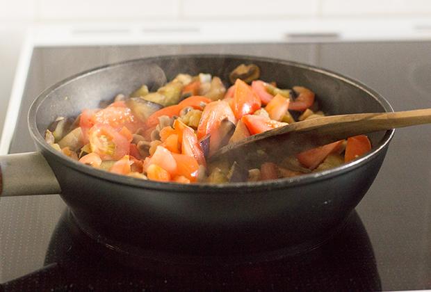 aubergine-tomat