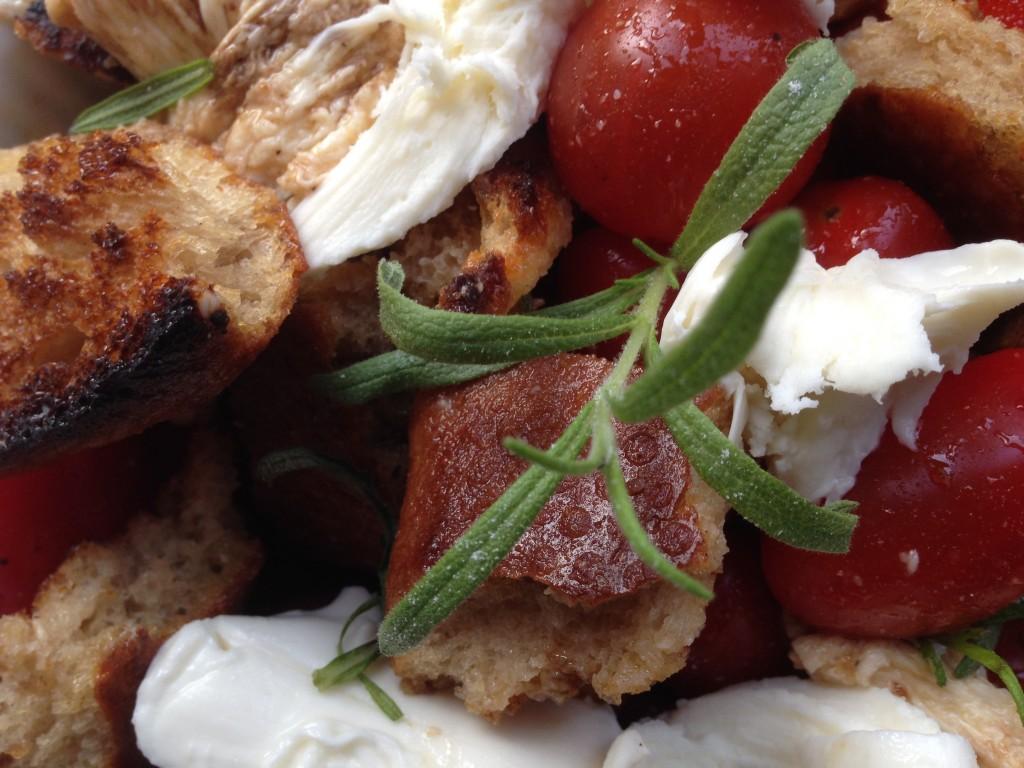 Italiensk brødsalat med tomat og mozzarella - Foodblogging