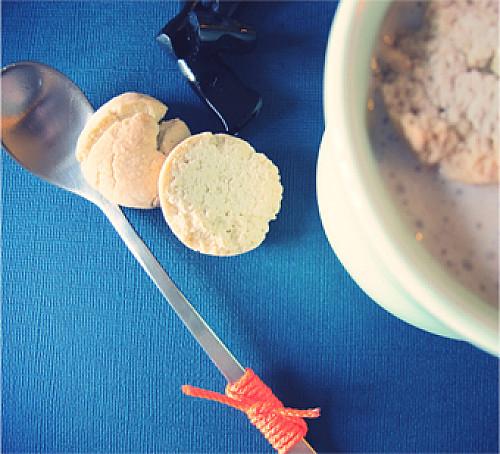 Koldskål med kaffe og lakrids